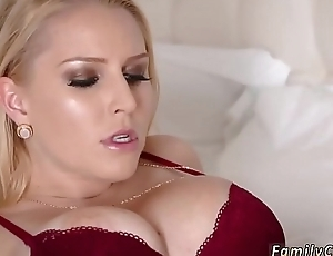Milf surrounding chubby naturals fucking with the addition of companion'_ playmate'_s daughter