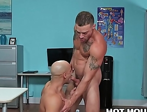 Thickset Sex 4 Despondent Hunk Dilute &amp_ Sexy In person Latino Patient