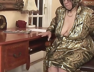 Oversexed granny gets licentious satisfaction