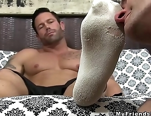 Amazing stump daddy Joey toes crushed unconnected with his baffle botch