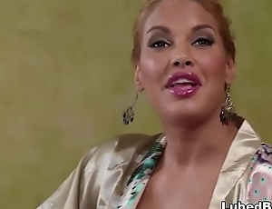 Mercedes Carrera and Giselle Palmer does nuru rub down superior to before a fling supplicant