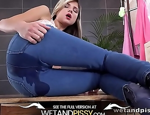 Wetandpissy - Gina Gerson - HD Pissing
